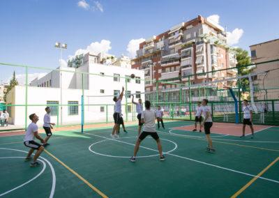 """Sport-Pamje nga ambjentet Sportive te Gjimnazit """"Petro Nini Luarasi"""""""